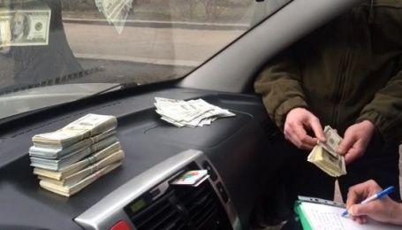 """В Киеве задержали """"дельца"""" за вымогательство невероятной взятки в $ 200 тыс"""