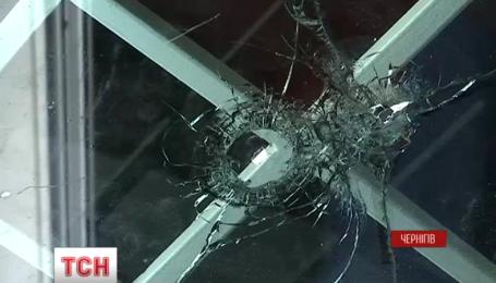 У Чернігові невідомий кинув гранату у приміщення грального закладу