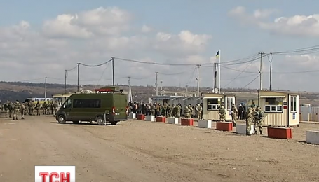 На Луганщине открыли автомобильное сообщение с оккупированными территориями
