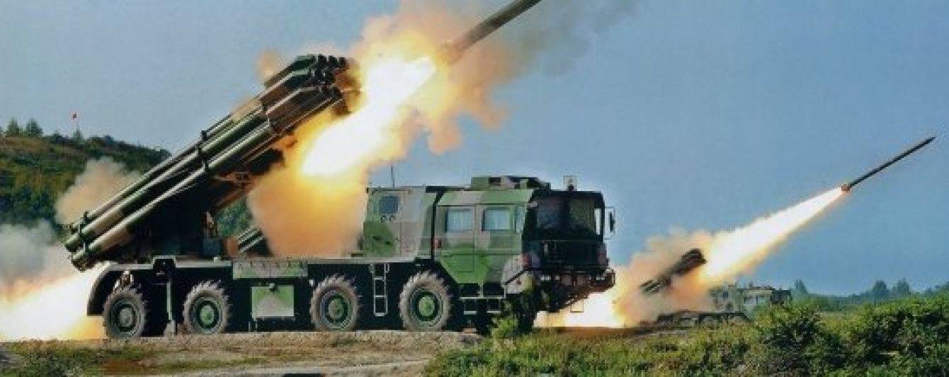 """Вірменія стягує важку зброю і """"Смерчі"""" до лінії зіткнення - Міноборони Азербайджану"""