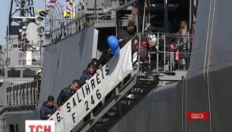Два военных турецких корабля зашли в Одесский порт