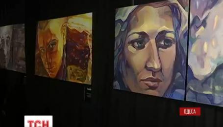 33 обличчя одеського Євромайдану закарбувала тамтешня художниця