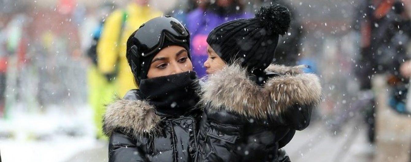 Снег, горы и лыжи: семейство Кардашьян на отдыхе