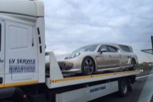 Porsche Panamera превратили в спортивный катафалк