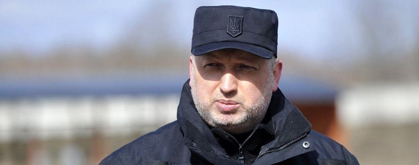 Україна не в змозі достатньо забезпечити летальною зброєю військових в АТО – Турчинов