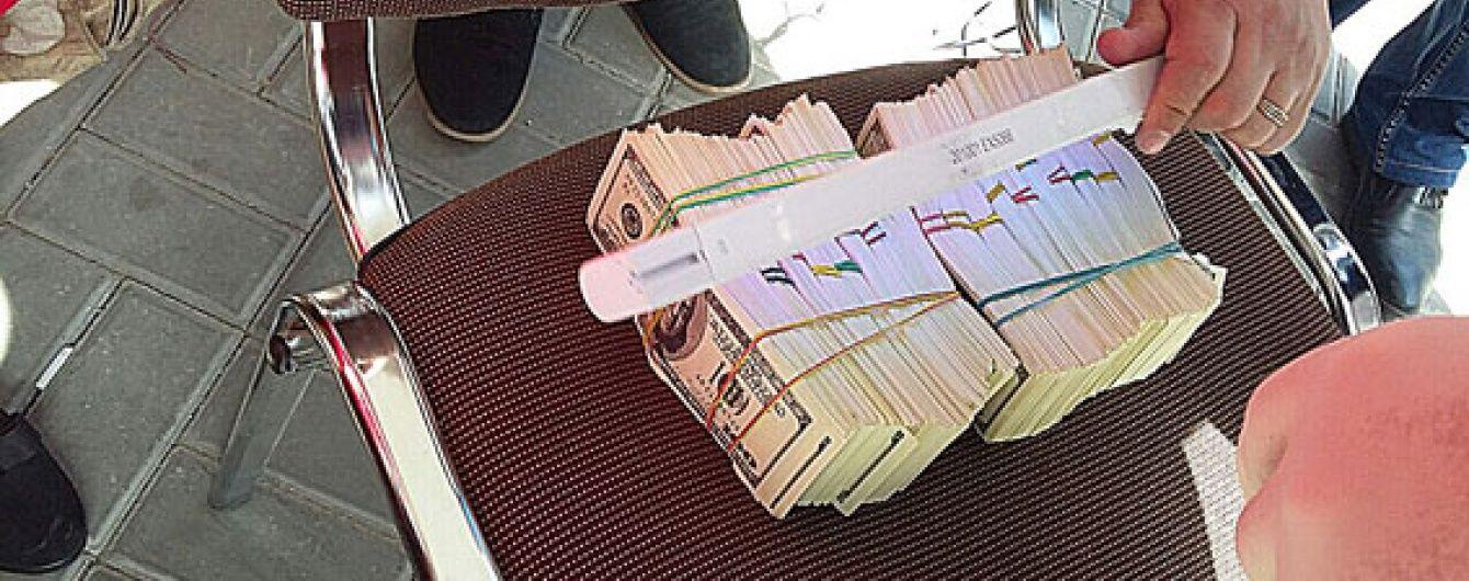 У Херсоні директора будівельного товариства упіймали на хабарі в понад $ 200 тисяч
