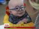 Інтернет підкорює відео чотиримісячного малюка, який вперше побачив маму крізь окуляри