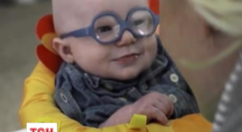 Відео - Інтернет підкорює відео чотиримісячного малюка 86c79e78ceb0a