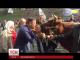 Олег Ляшко сьогодні прийшов до Кабміну з двома коровами