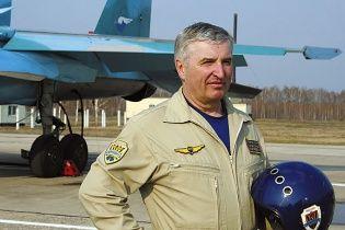 """Льотчик від Бога, депутат від президента. Пілот, який """"катав"""" Путіна на винищувачі, піде в Держдуму"""