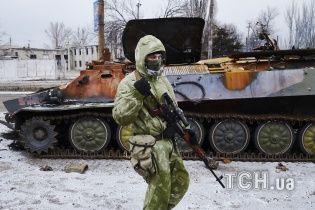 Боевики мощно обстреляли Марьинку