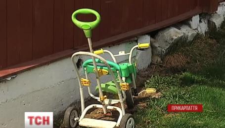 Появились первые версии убийства двух детей и попытки самоубийства в Прикарпатье