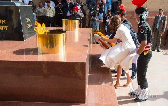Герцогиня Кембриджская и принц Уильям в Индии_15_3