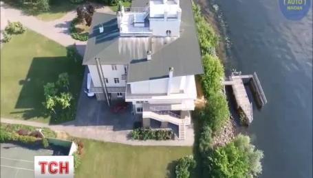 Журналісти знайшли власників маєтків на території Труханового острову