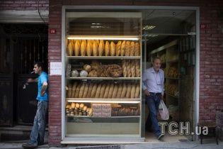 Французький бізнесмен продав свою пекарню безхатьку всього за 1 євро