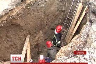 У Тернополі під час ремонту каналізації страшною смертю загинув комунальник