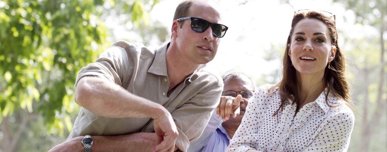 Кембриджи в парке Казиранга: герцогиня сменила платье на джинсы-скинни от Zara