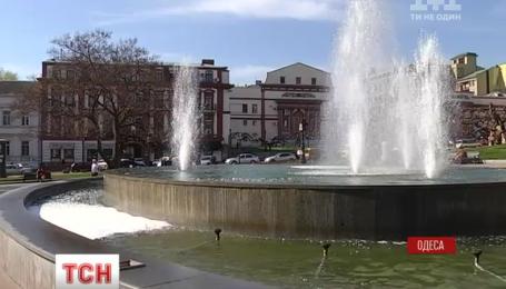 В городе заработали два десятка фонтанных комплексов