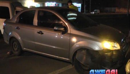 Молодой водитель в столице на скорости въехал в таксиста
