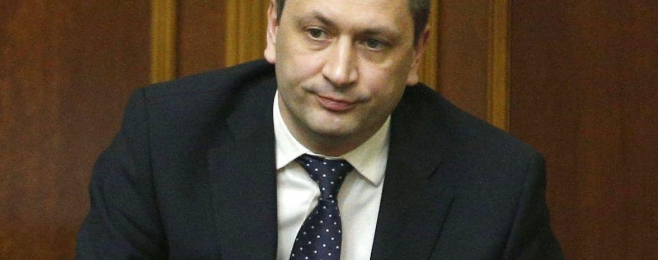 Міністр у справах окупованих територій хоче повернути повну виплату соцдопомоги на Донбасі