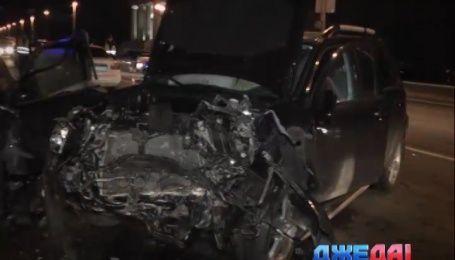 В столице Mitsubishi вылетел под колеса BMW