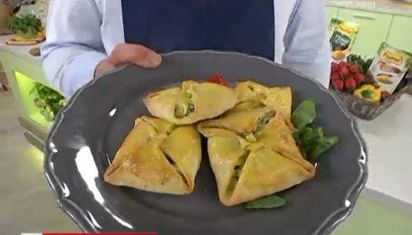 Рецепт пиріжків із м'ятою та шпинатом від Руслана Сенічкіна