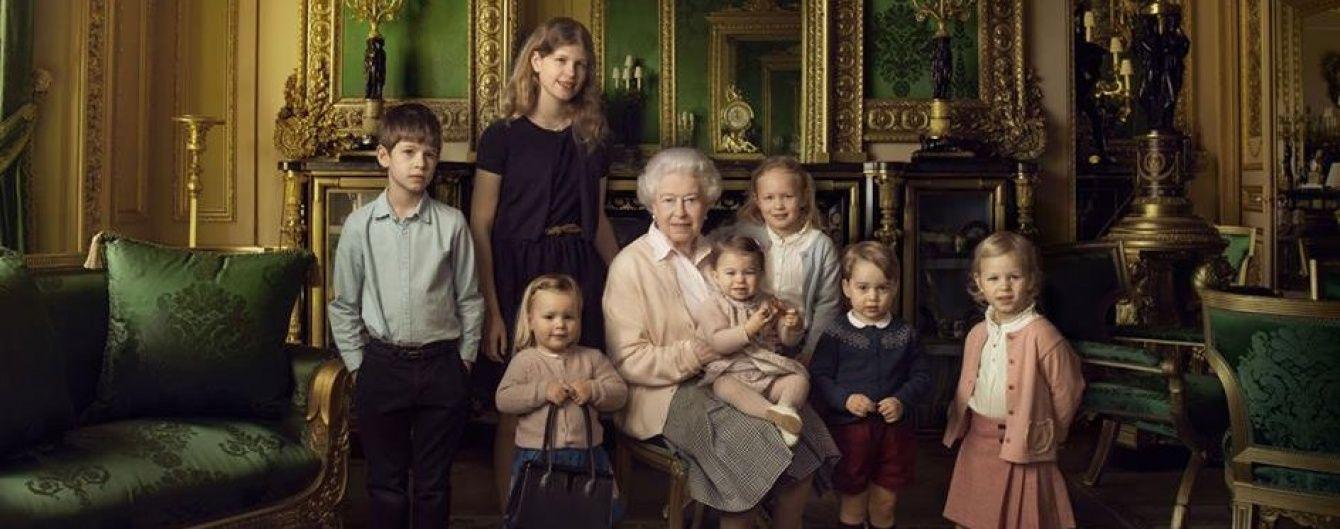 К юбилею королевы: серия новых портретов с Елизаветой II
