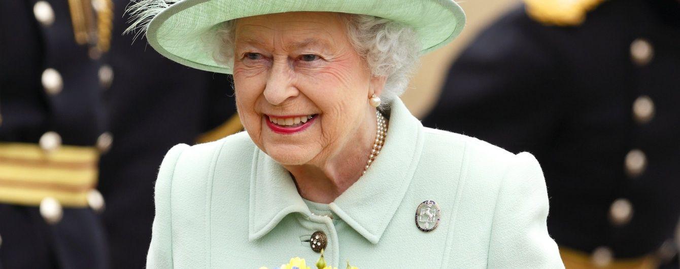 Любимые сумки королевы Елизаветы II