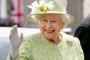 Юбилей королевы: Елизавета II встретилась с поклонниками