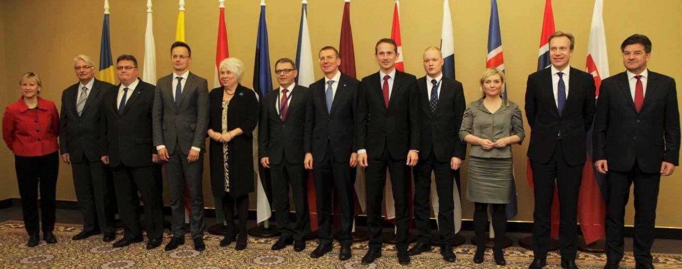 Глави МЗС 12 країн Європи закликали без зволікань надати Україні безвізовий режим
