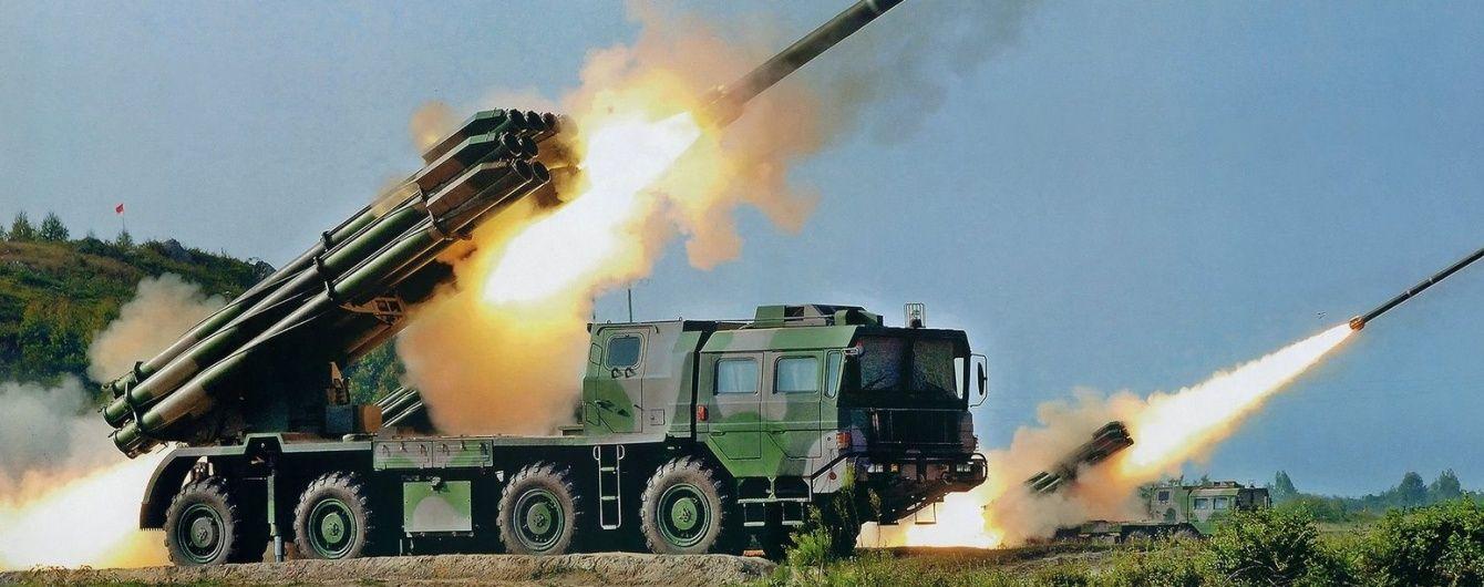 """КНДР """"наїжачилася"""" системами залпового вогню на кордоні з Південною Кореєю"""