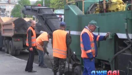 На ремонт дорог в Чернигове выделили 15 миллионов гривен