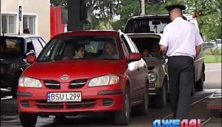 Нардеп Парасюк предложил увеличить срок пребывания авто с иностранной регистрацией