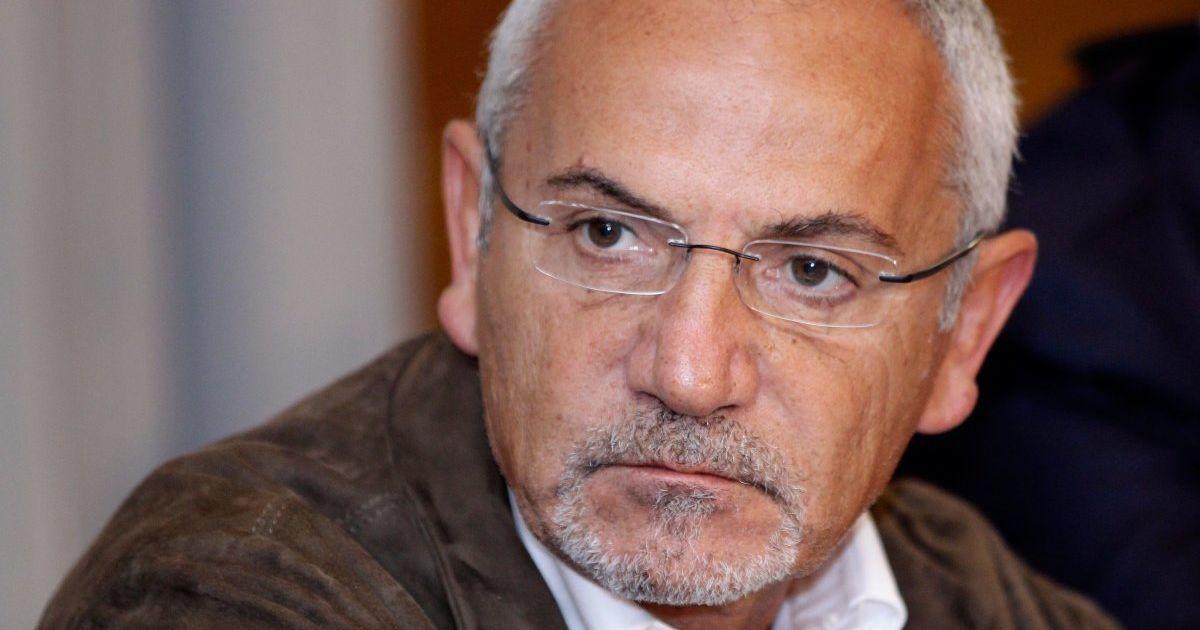 Печерский суд заявил, что не давал разрешения на обыски у Шустера дома