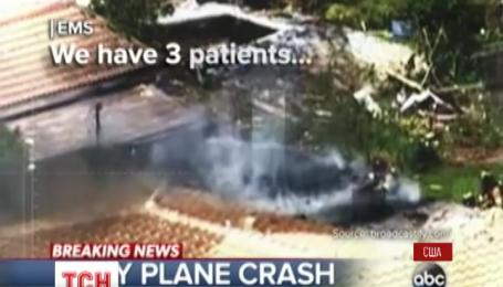 В американском штате Флорида самолет врезался в дом