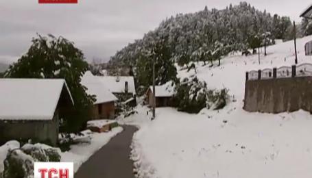 Словению покрыло 30-сантиметровым слоем снега