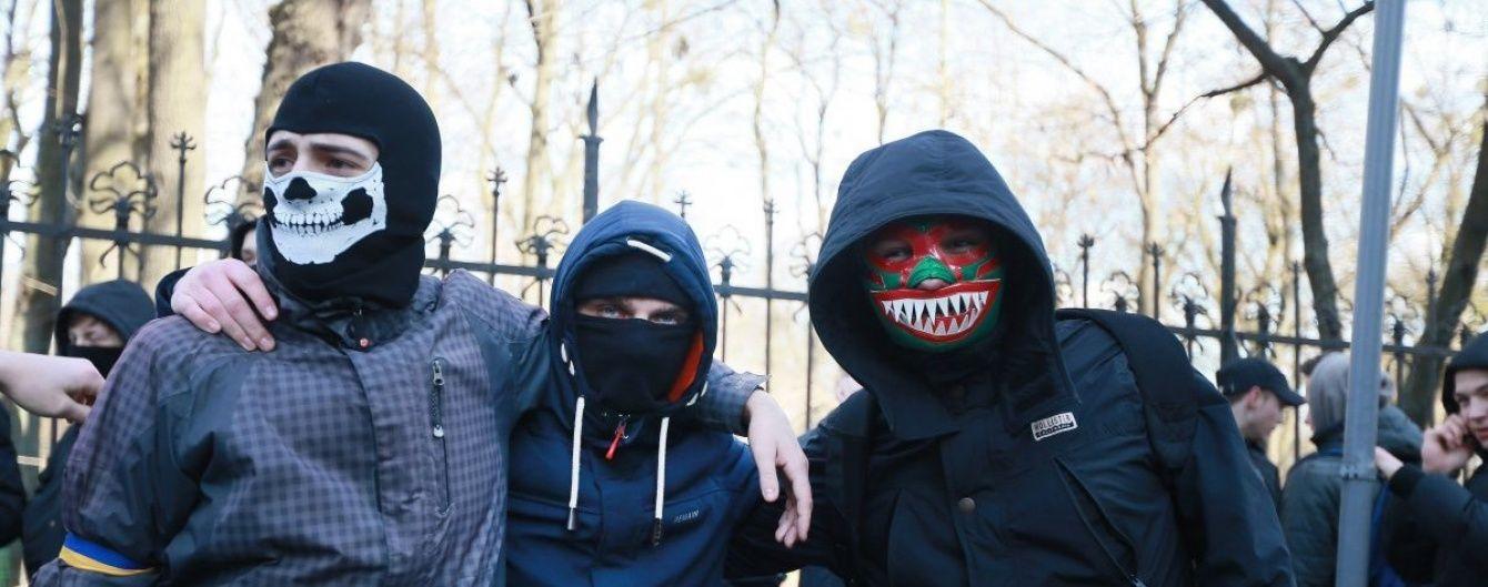 В Одесі 2 травня будуть затримувати людей у балаклавах