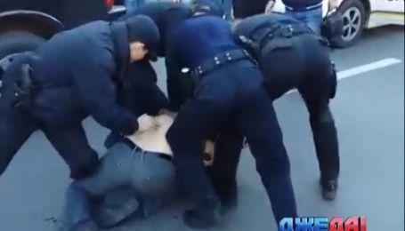 Как 6 полицейских пытались угомонить пьяного олимпийского чемпиона по греко-римской борьбе