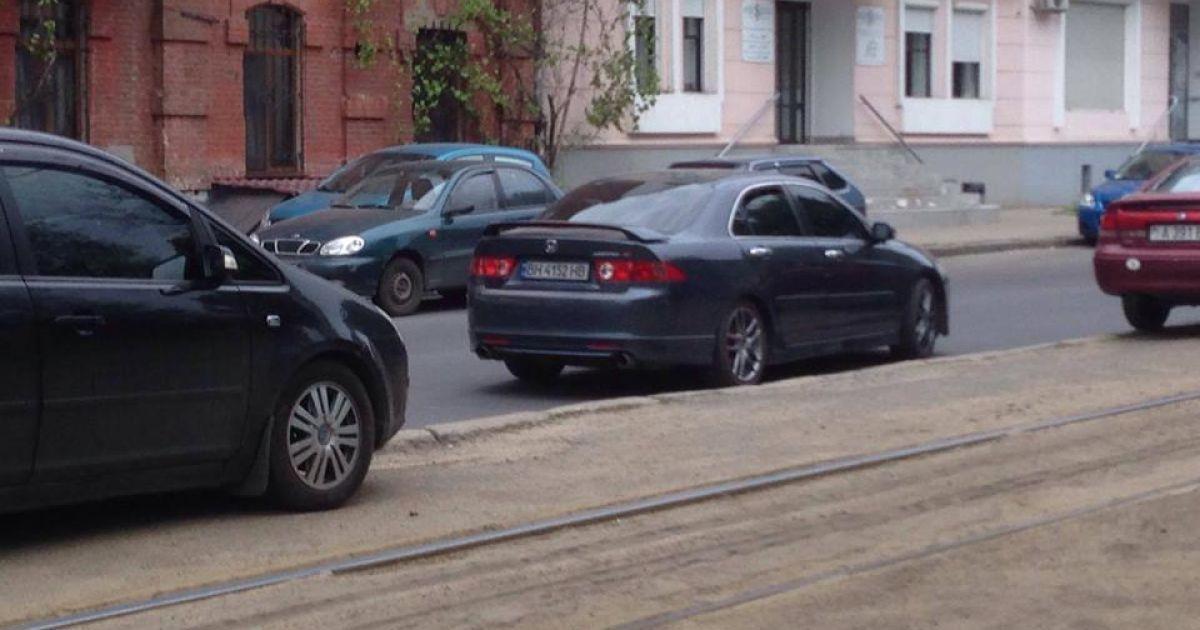 Автомобіль нападників на журналістів @ Facebook/7 канал