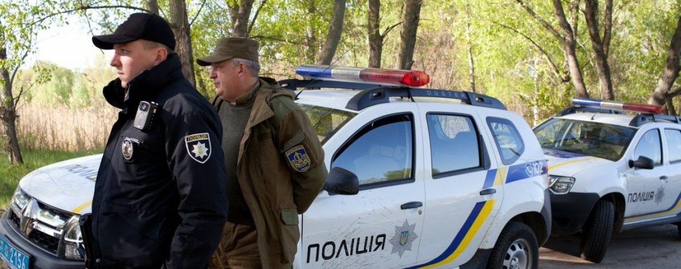 На Бориспольском шоссе женщина свела счеты с жизнью, бросившись под колеса грузовика