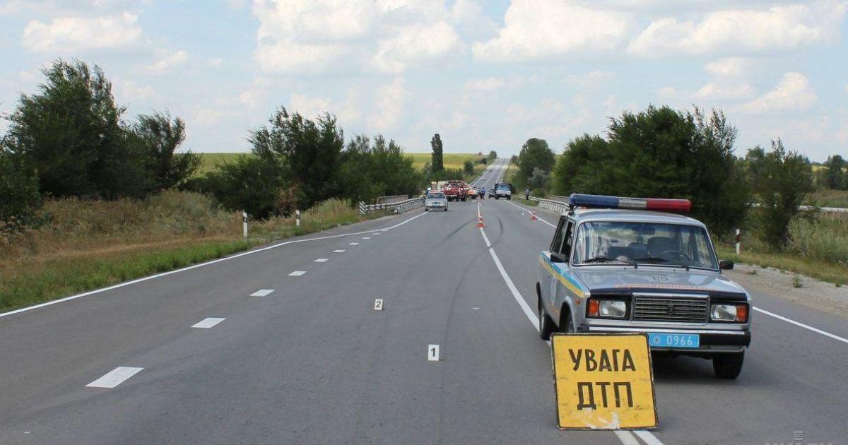 На Житомирской трассе затруднено движение из-за трех ДТП с семью автомобилями