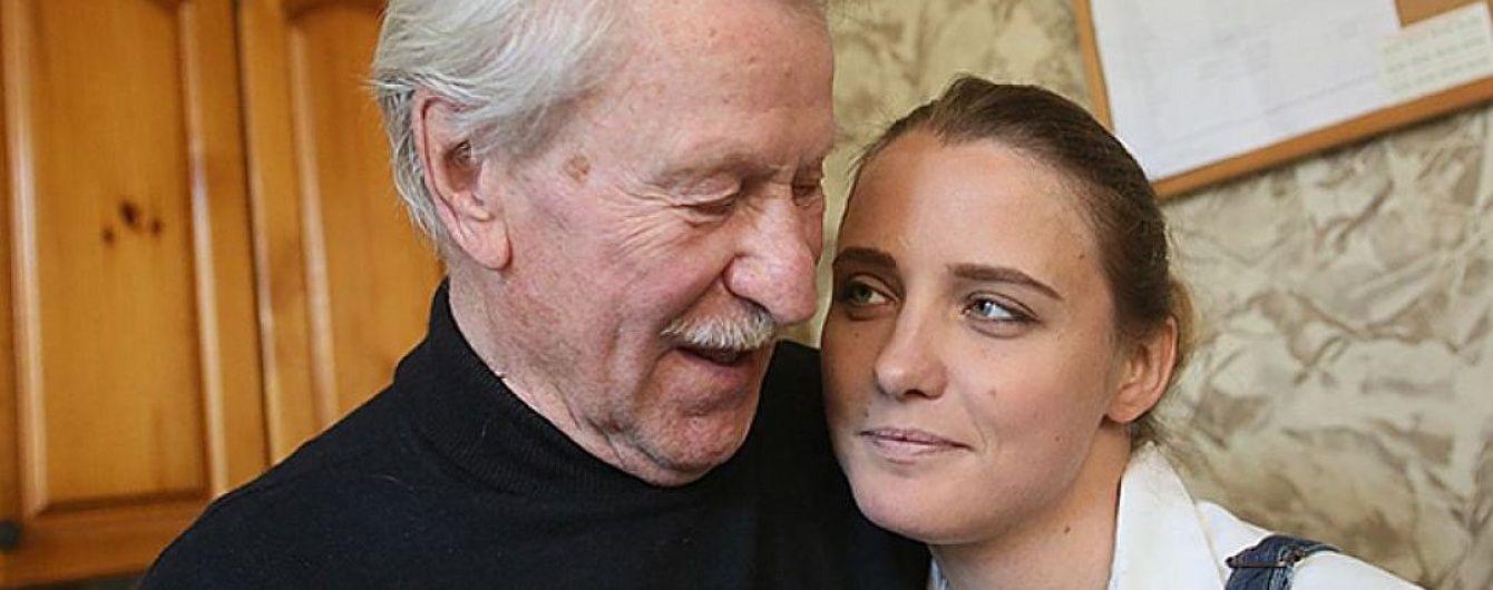 """Молодая жена 87-летнего Краско прокомментировала признание ее """"любовника"""""""