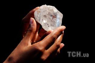 Самый дорогой алмаз в мире продали за $ 63 млн