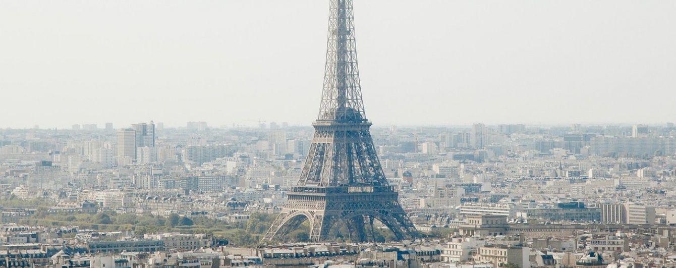 """""""Залізна дама"""" Парижа: чим відома Ейфелева вежа. Інфографіка"""