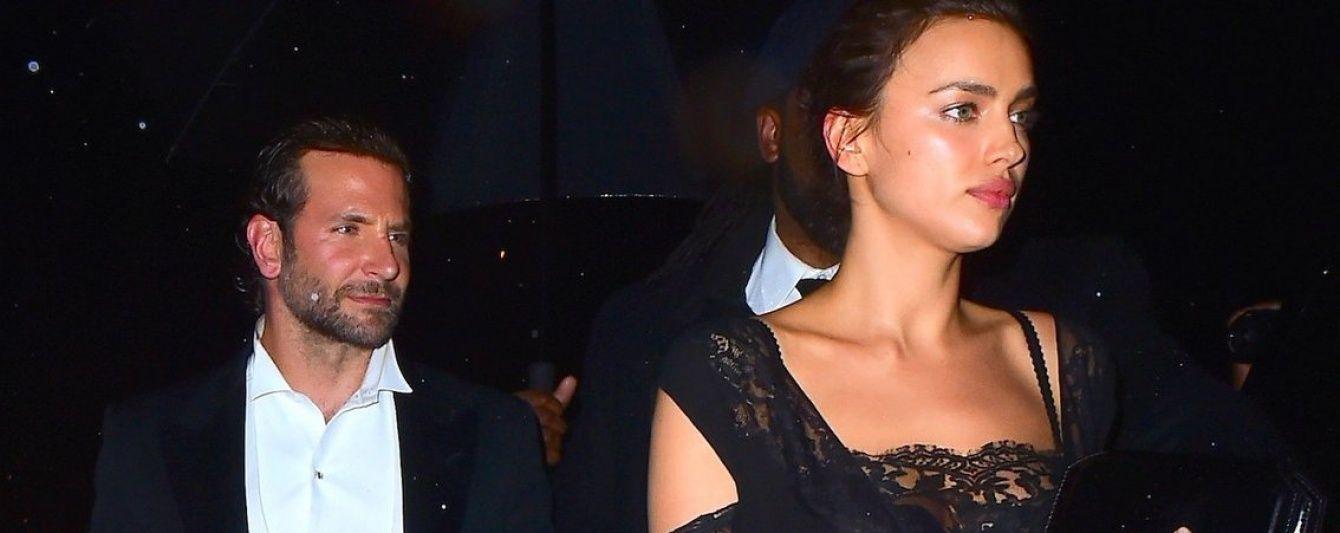 Ірина Шейк прийшла на вечірку у відвертій сукні, схожій на нічну сорочку