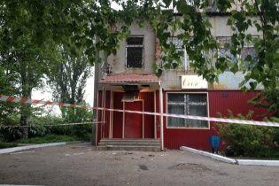 У Костянтинівці невідомий обстріляв відділення міграційної служби із РПГ