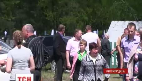На поминальні дні чорнобильські села ожили