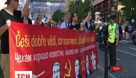 """Встреча """"Ночных Волков"""" в Праге стала хитом Интернета"""