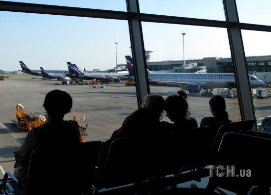 """Авіакатастрофа в Москві. Під час розслідування в РФ заявили про пошкодження """"чорного ящика"""""""
