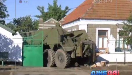 Украинский военный в нетрезвом состоянии въехал в частный дом